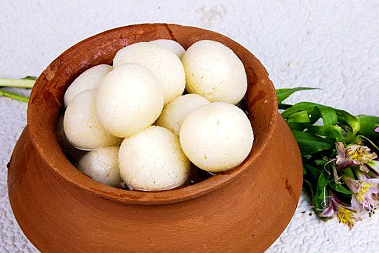 SPONGY AND SOFT COTTON LIKE BALLS – THE YUMMY ROSHOGOLLAS
